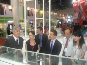 Kunjungan Andrew L.Y Hsia ke Stand Taiwan Excellence Brand