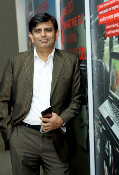 Rajesh Thadani-Lenovo-Cover Biskom-3