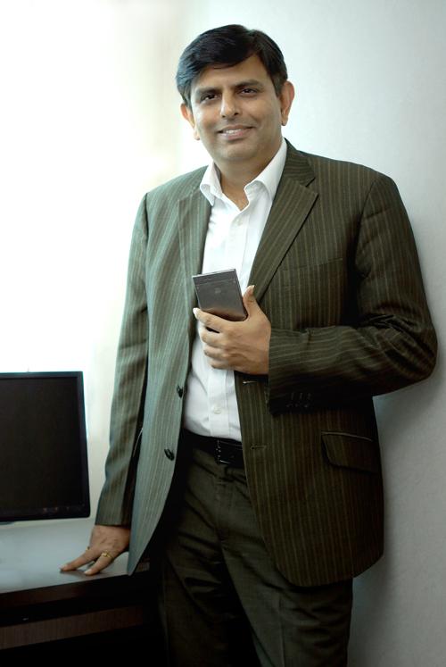 Rajesh Thadani-Lenovo-Cover Biskom-4