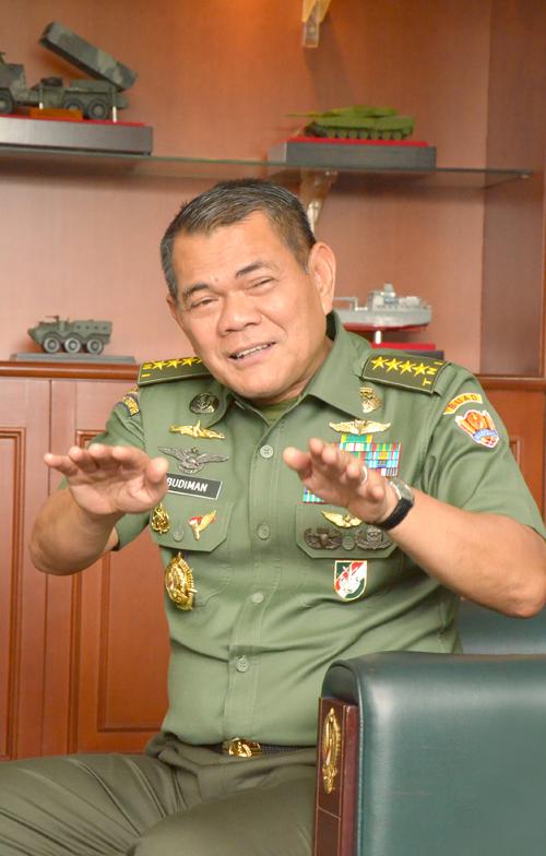 cover-story biskom-juni-jenderal budiman2