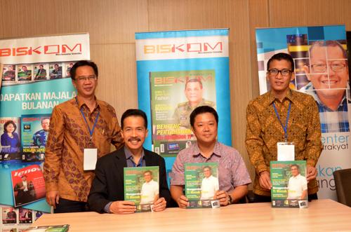 Andi Tanudiredja dan aktivis Onno Center bersama Tony Lin, Taitra Jakarta