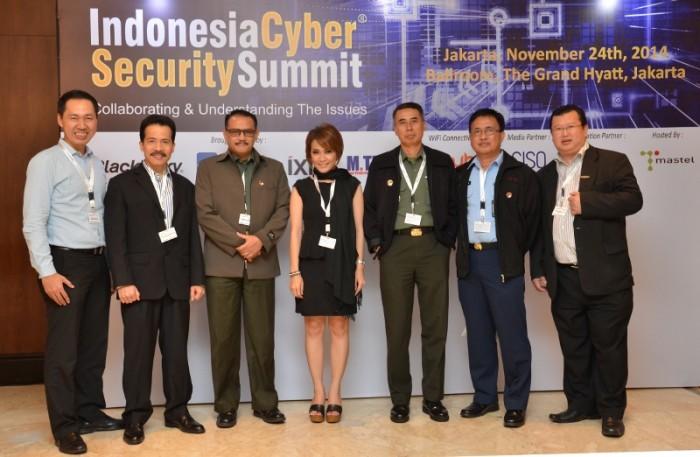 1. Foto bersama di acara ICCS 2014