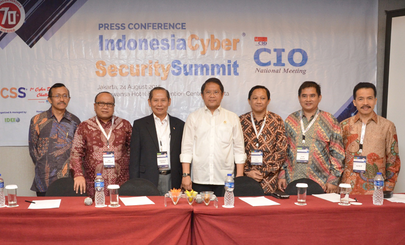 04. Press Conference Indonesia Cyber Security Summit 2015